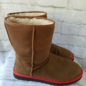 UGG Leather Classic Short Chestnut Boots
